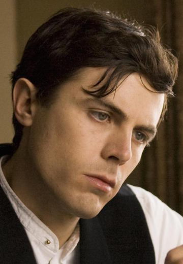 still-of-casey-affleck-in-the-assassination-of-jesse-james-by-the-coward-robert-ford-(2007)-large-picture