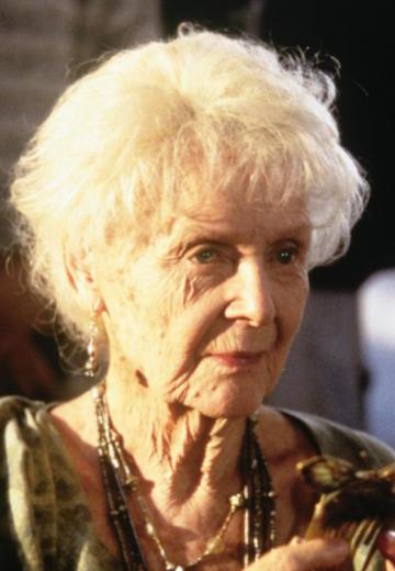 still-of-gloria-stuart-in-titanic-(1997)