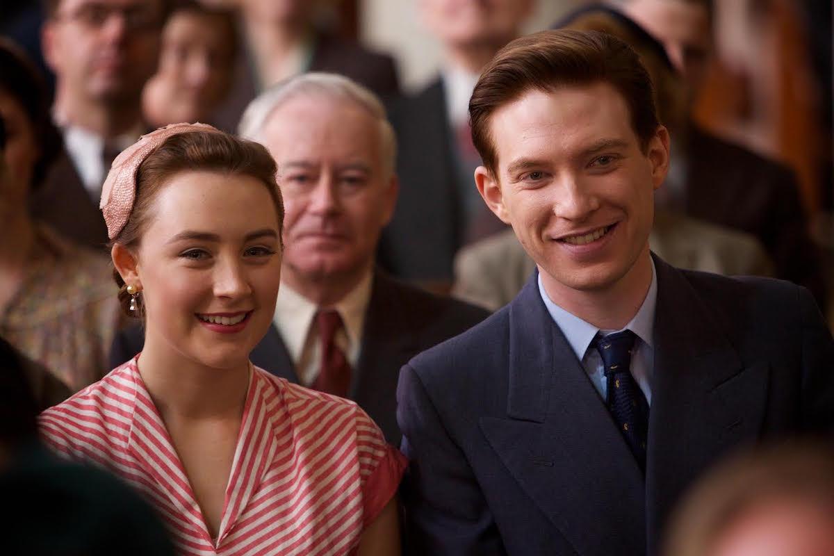 Saoirse Ronan ve Domhnall Gleeson (Brooklyn)
