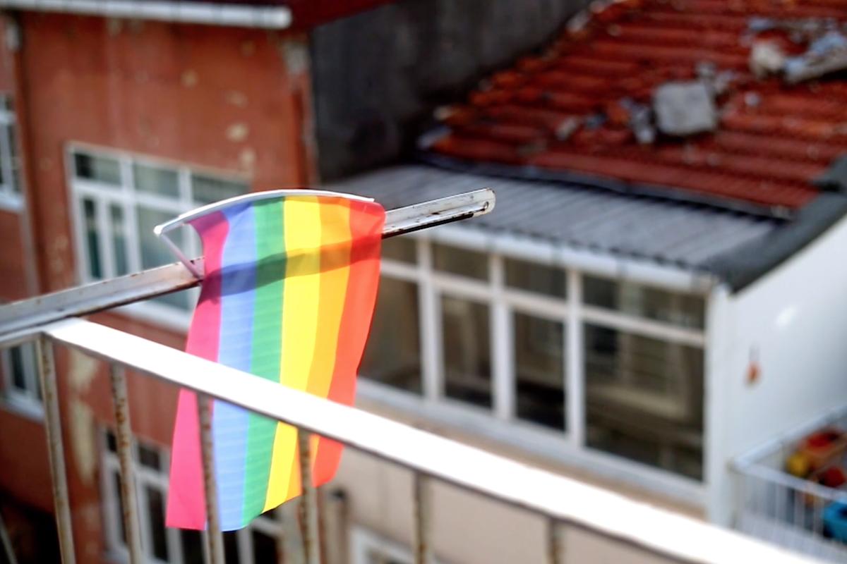 Günün Kısası: Mahallede LGBTİ Olmak